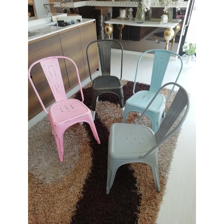 Set di 4 sedie in metallo colorate