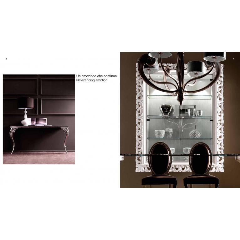 Vetrina sospesa Gaston luxury Cortezari, cornice bianco lucido con illuminazione interna, ante vetro trasparente-ripiani vetro.Maniglie glitter