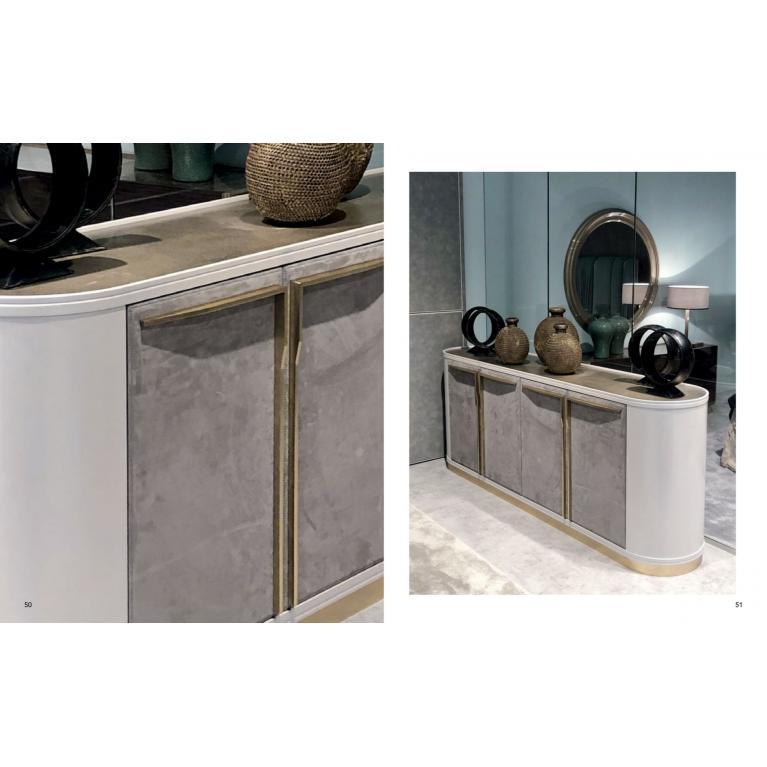 Credenza luxury Jazz Lux Soft cortezari con ante rivestite in pelle nabuk, top in metallo finit. Palladio